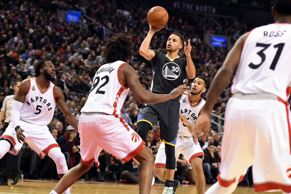 beadb7b59ee2 Warriors at Raptors  Golden State wins close one in Toronto to reach  historic 21-0 start
