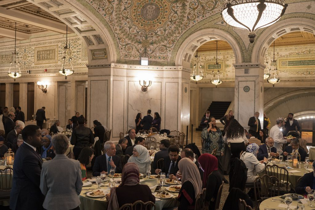 About 200 hundred people attended the annual iftar meal with Mayor Rahm Emanuel at the Chicago Cultural Center on May 7, 2019   Pat Nabong/For The Sun-Times
