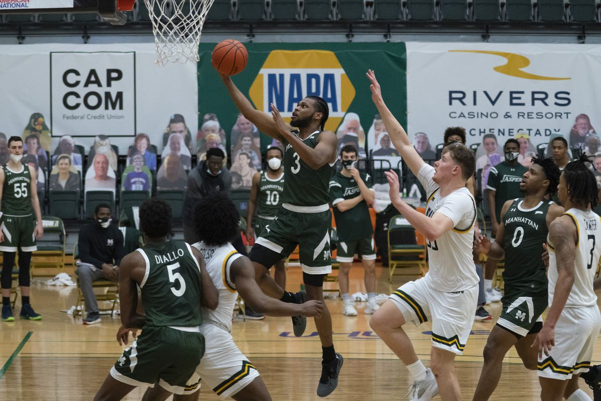 Manhattan Jaspers Guard Ant Nelson shoots a layup during the College Basketball game between the Manhattan Jaspers and the Siena Saints on February 26, 2021, at Alumni Recreation Center in Loudonville, NY.