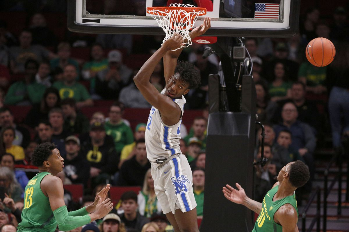 Memphis Tigers center James Wiseman is unable to complete a dunk during the second half against the Oregon Ducks at Moda Center.