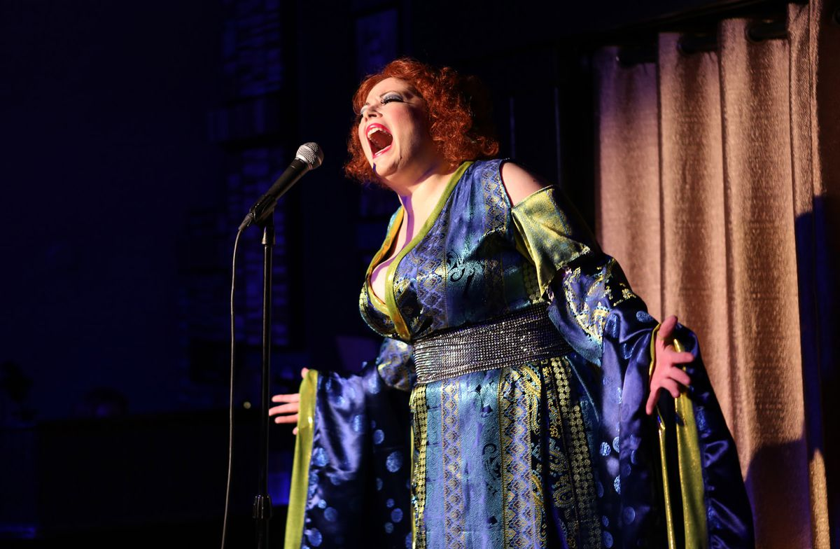 """Caitlin Jacksonstars as Bette Midler inHell in a Handbag's""""Bette, Live at the Continental Baths."""""""