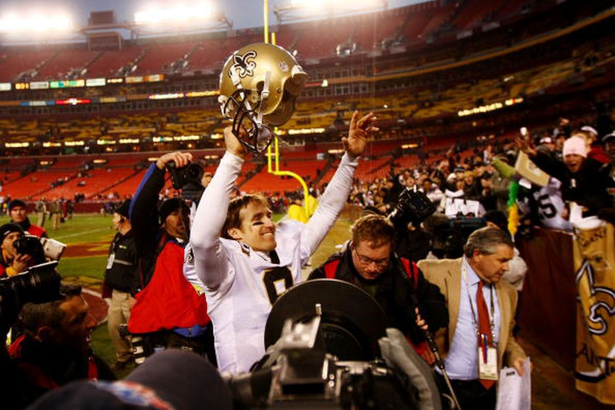 Hey! I found a picture of a QB celebrating at Fedex Field.