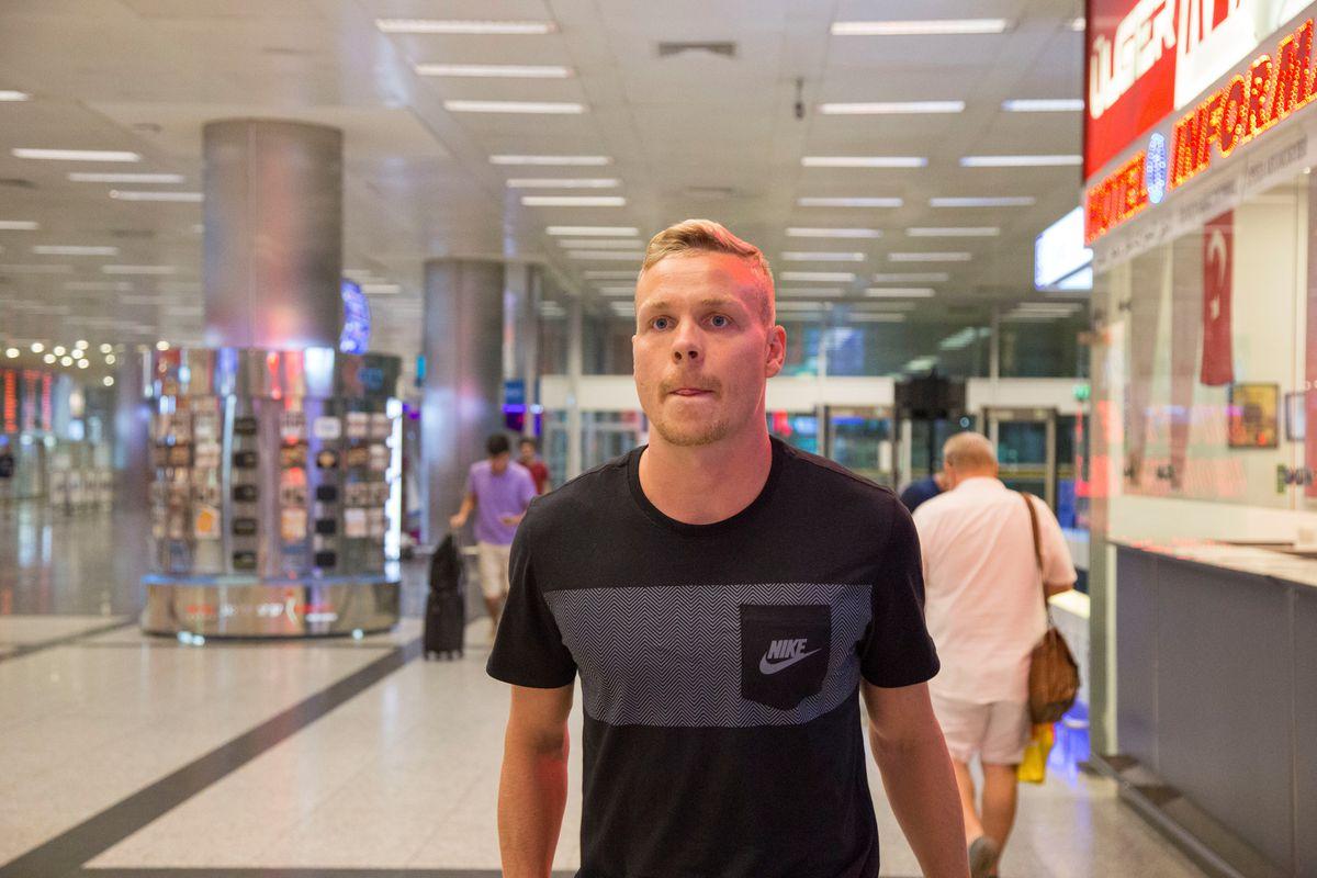 Kolbeinn Sigthorsson arrives in Istanbul