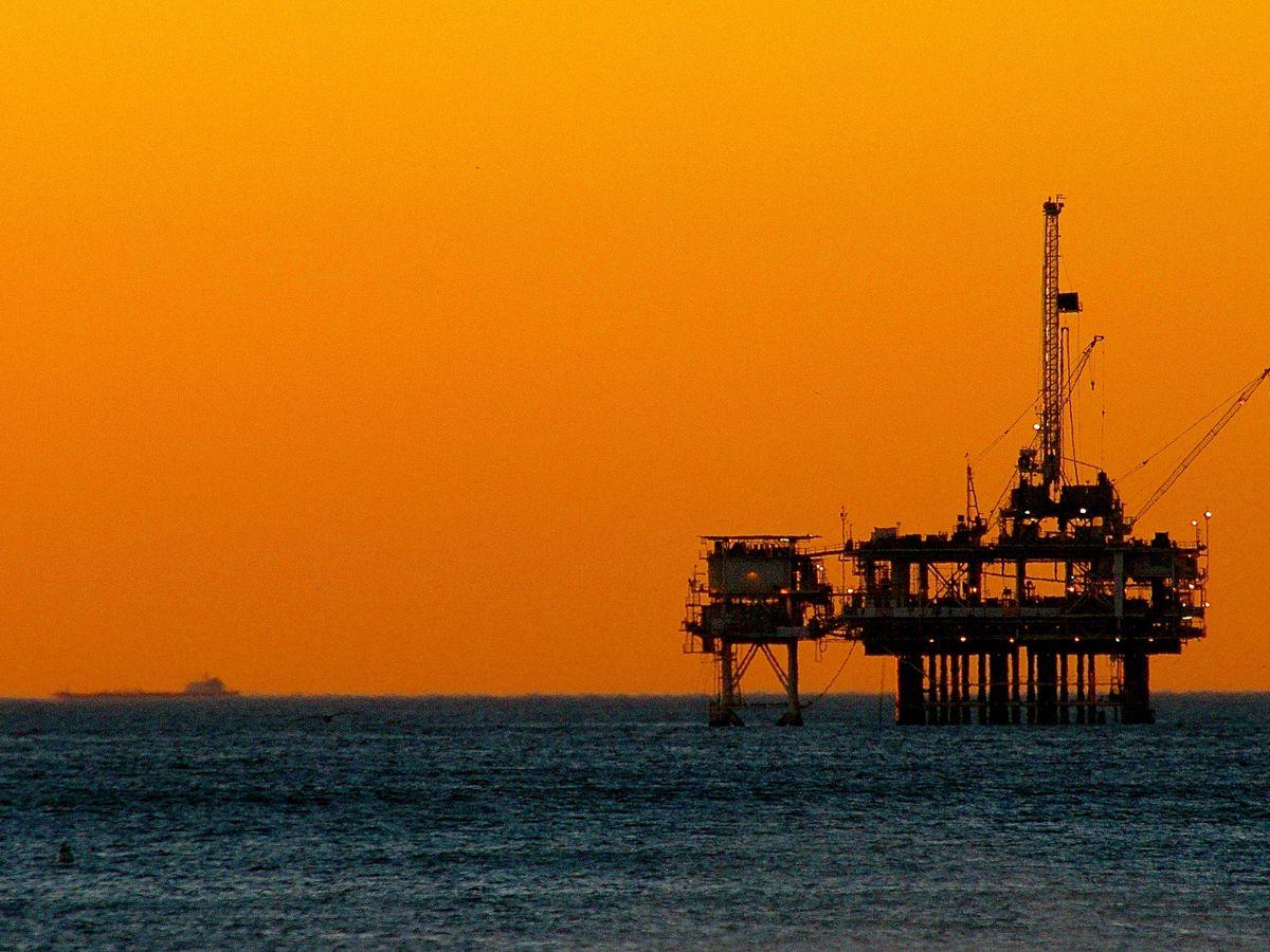 Huntington Beach oil rig