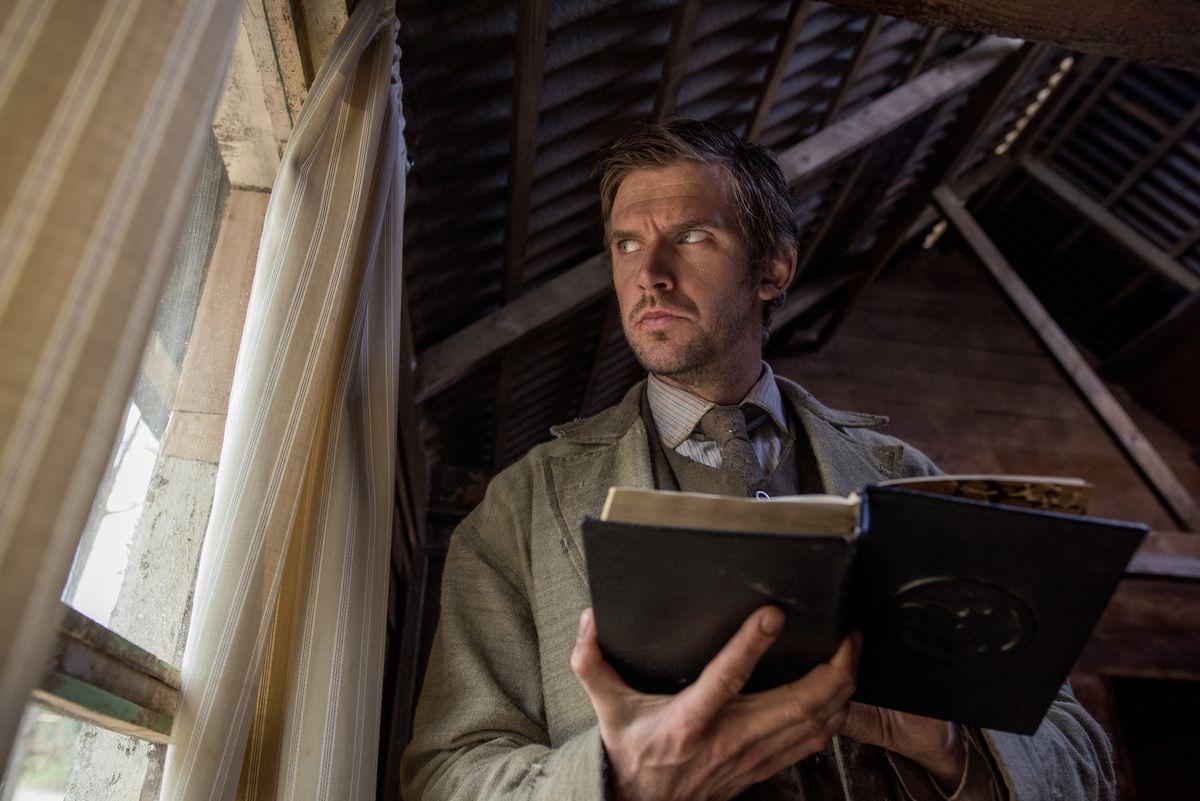 Dan Stevens as Thomas Richardson in Apostle
