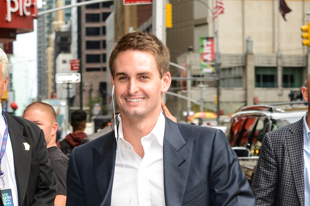 Evan spiegel has made great products at snapchat growing - Snapchat spiegel ...