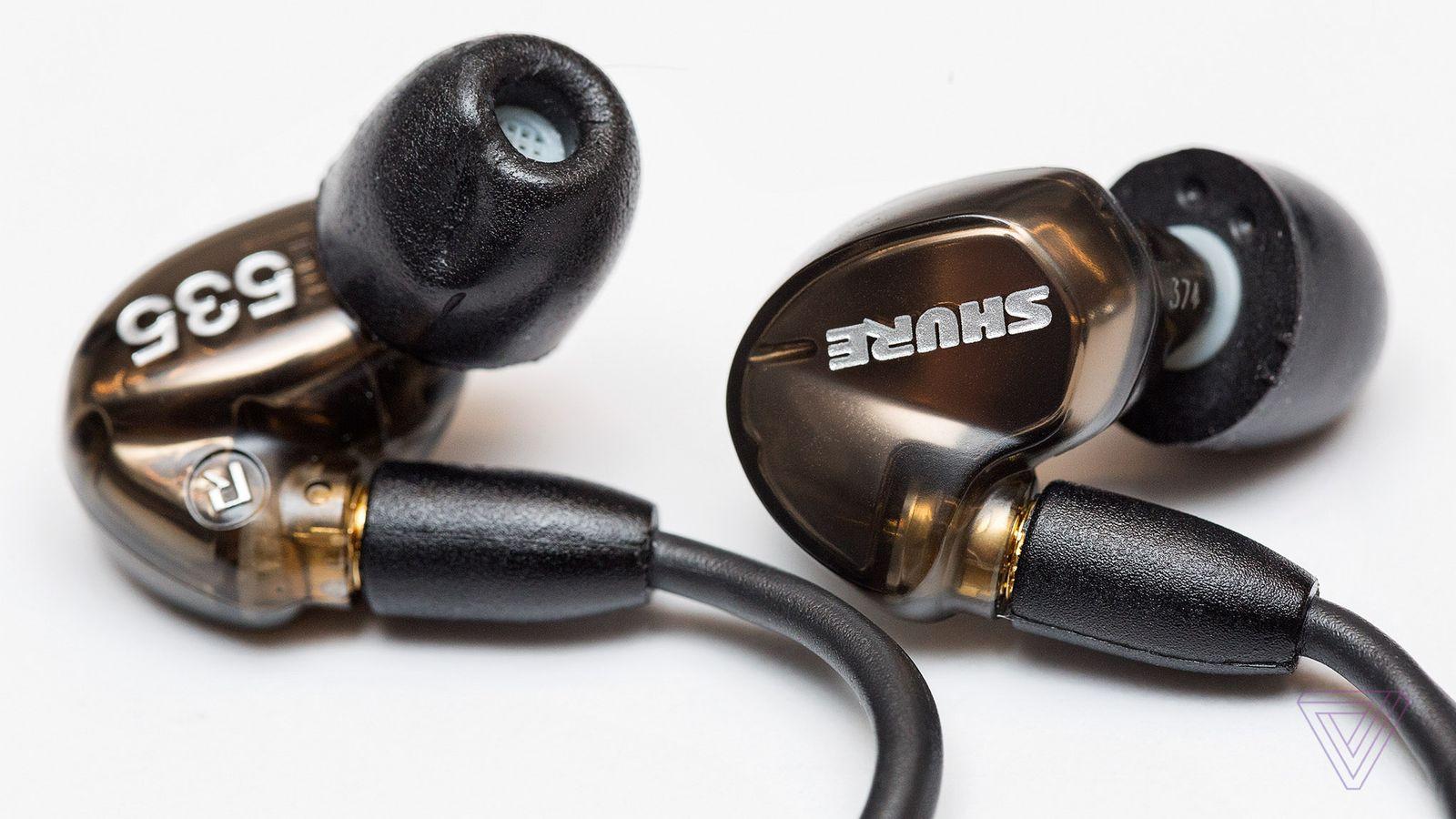 shure s se535 earphones are a little bit perfect the verge. Black Bedroom Furniture Sets. Home Design Ideas