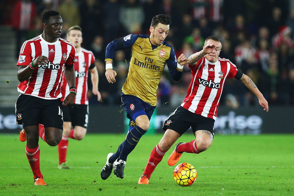 Özil didn't notch an assist yesterday, but that's happily been an anomaly so far this season .