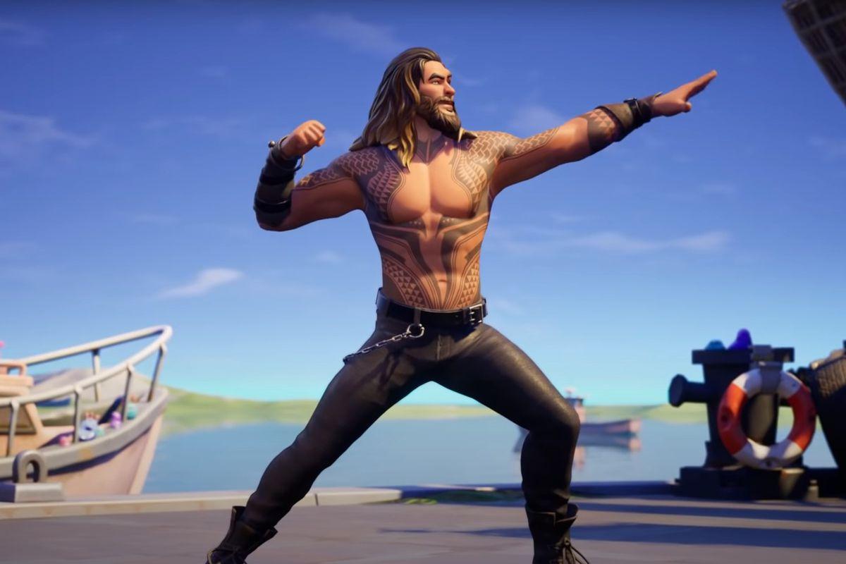 Shirtless Jason Mamoa with his Aquaman tattoos in Fortnite