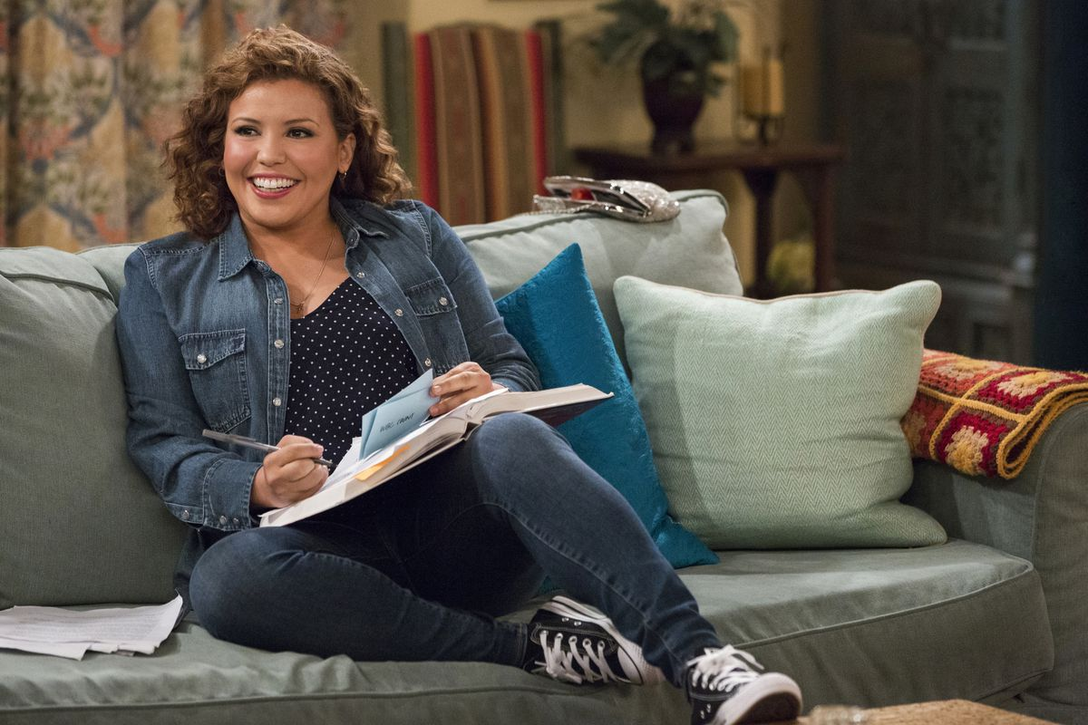 Netflixs One Day At A Time Season 2 Review One Of The Best Shows