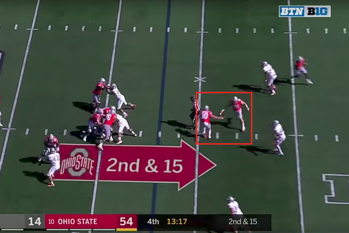 Ohio State football: Why 2 Buckeyes high-fived during a play
