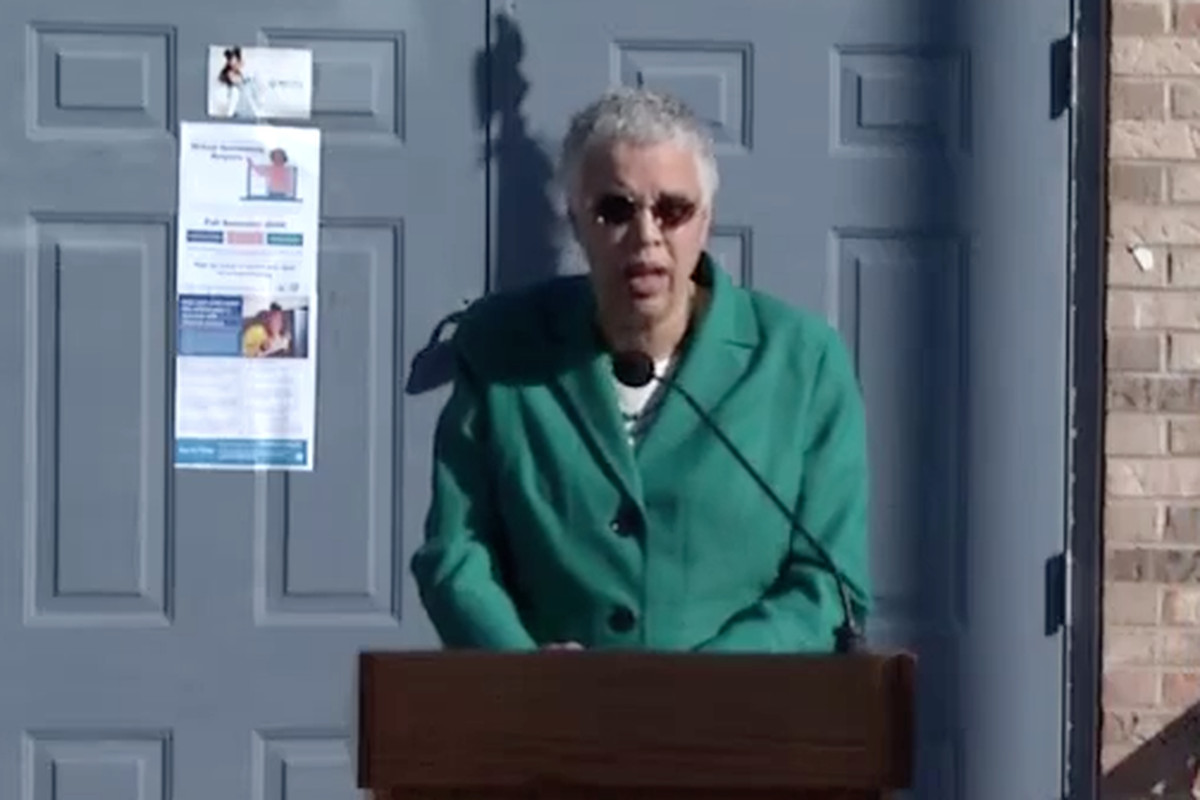 Cook County President Toni Preckwinkle speaks Wednesday at the Richard Flowers Apartments, a county housing facility in Robbins where several free computers were handed out to young residents.