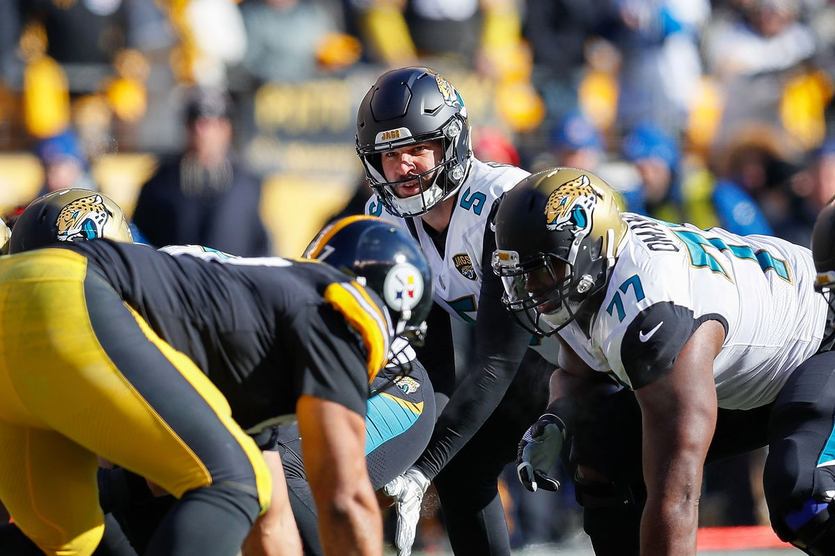 Blake Bortles at the line of scrimmage
