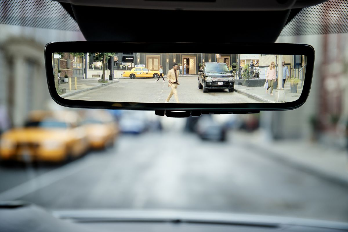 The 2020 Range Rover Evoque Has An Optional Hybrid Rear View Mirror
