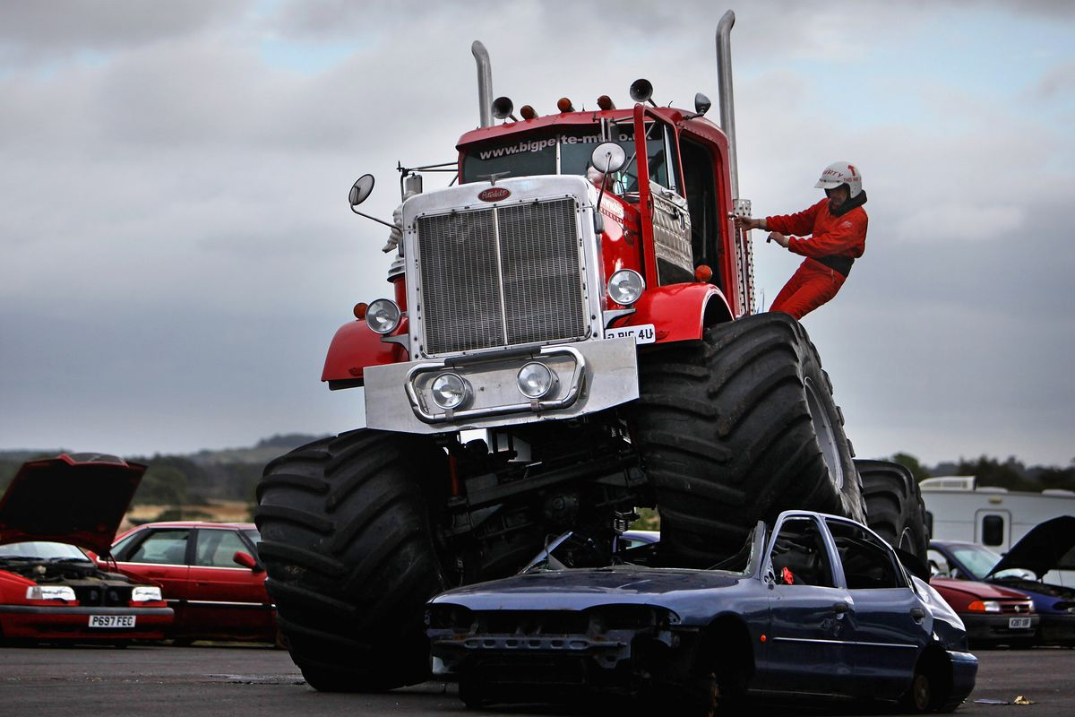 Car Crushing Monster Truck Launches The Magnificient Machine Exhibition