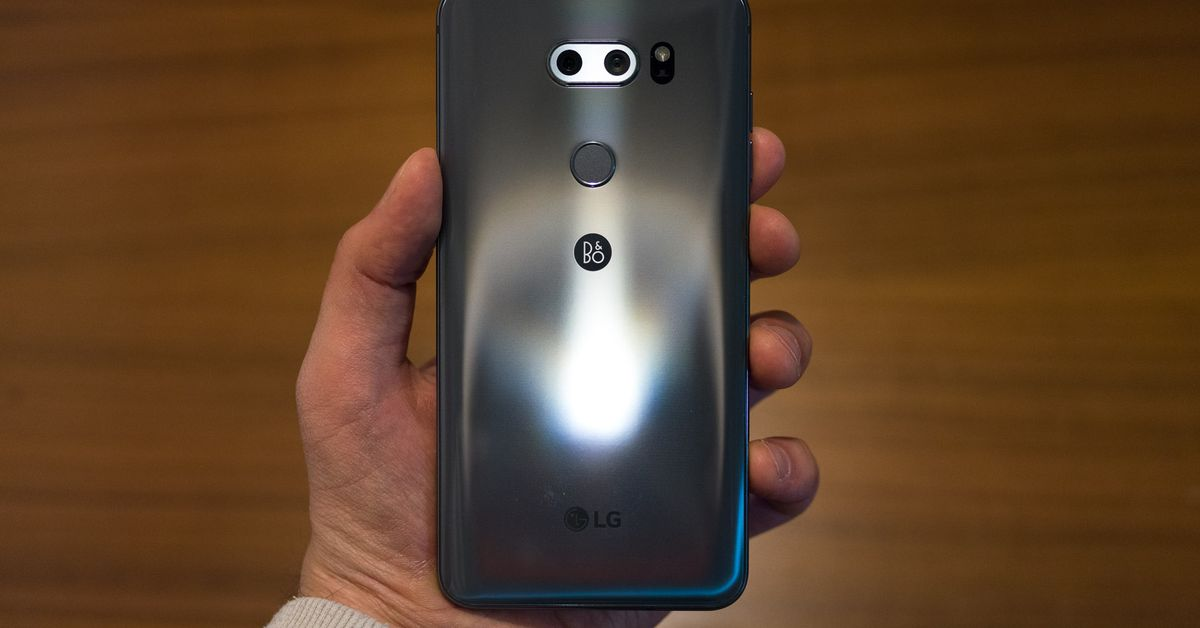 photo image LG's V30S ThinQ is a V30 with more RAM and AI