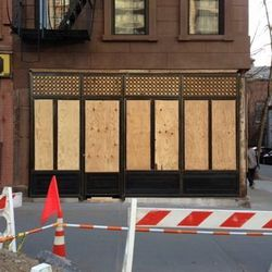 """72 Henry St in Brooklyn Heights. [Photo: <a href=""""http://www.brownstoner.com/blog/2013/04/new-drinking-spot-for-brooklyn-heights/"""">Brownstoner</a>]"""
