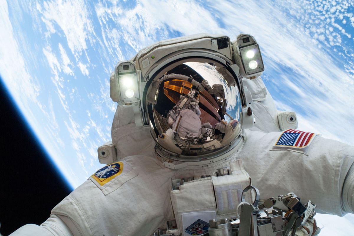 Mike Hopkins on a Dec. 24 space walk