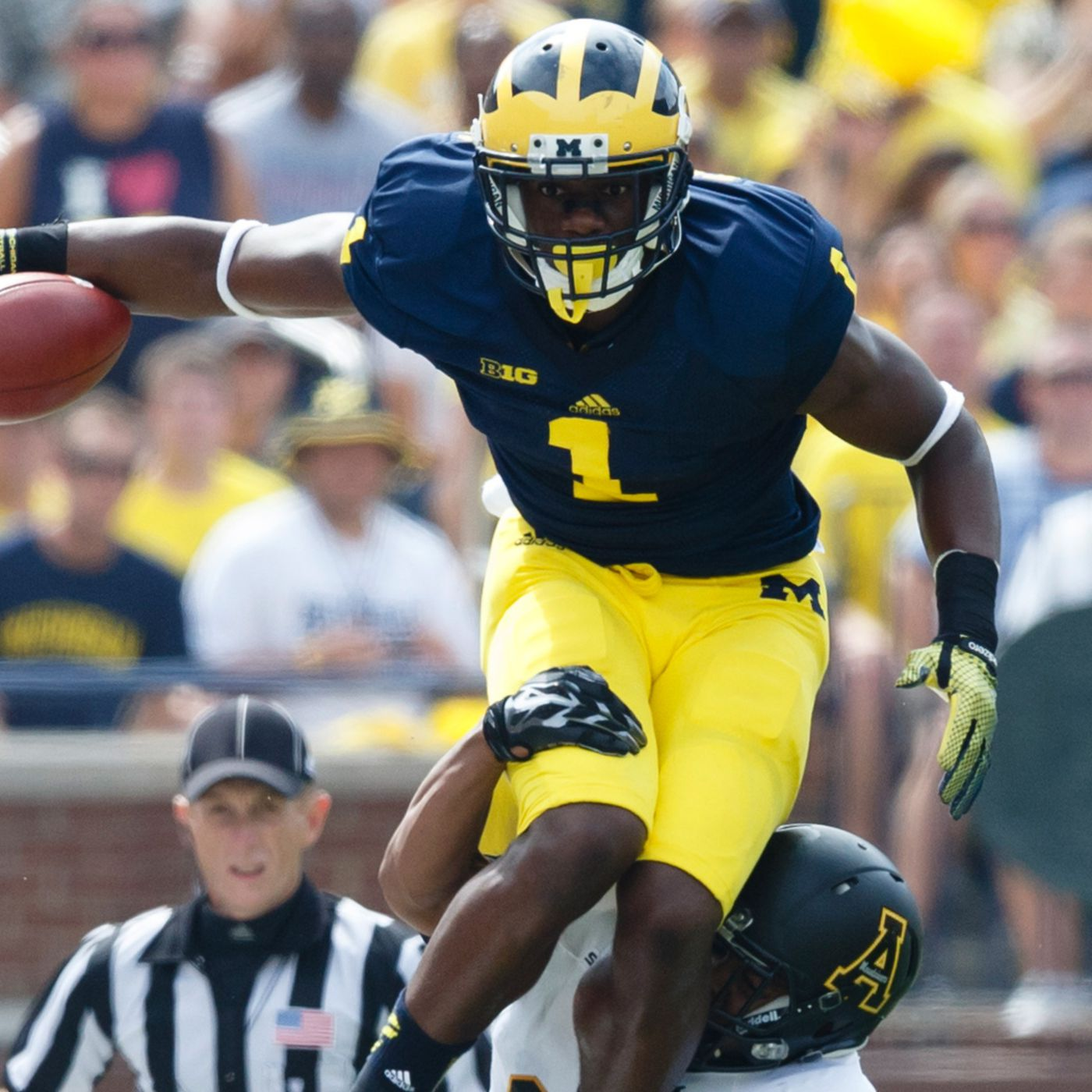 check out 30a8c 138aa Devin Funchess to wear No. 1 jersey this season, Michigan ...