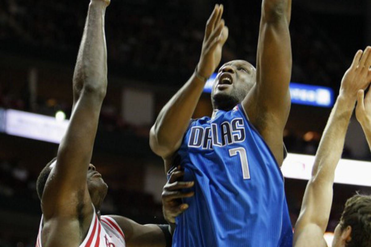 Lamar Odom missing one of his two shots on Saturday against the Rockets.