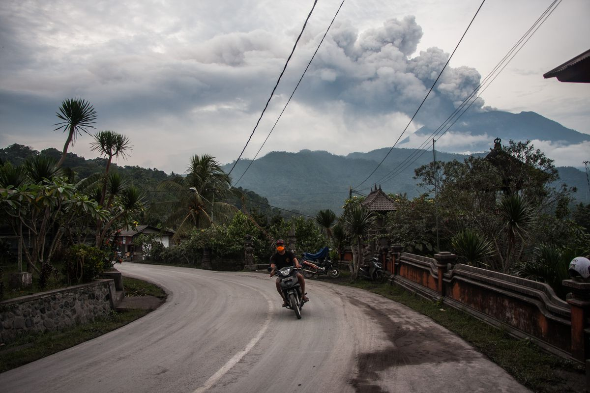 Bali S Fiery Volcano Could End Up Temporarily Cooling The Entire