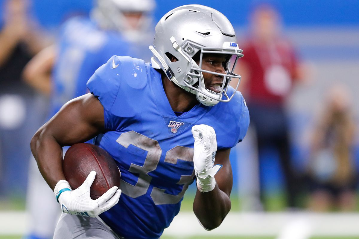 Detroit Lions running back Kerryon Johnson runs the ball during the fourth quarter against the Kansas City Chiefs at Ford Field.