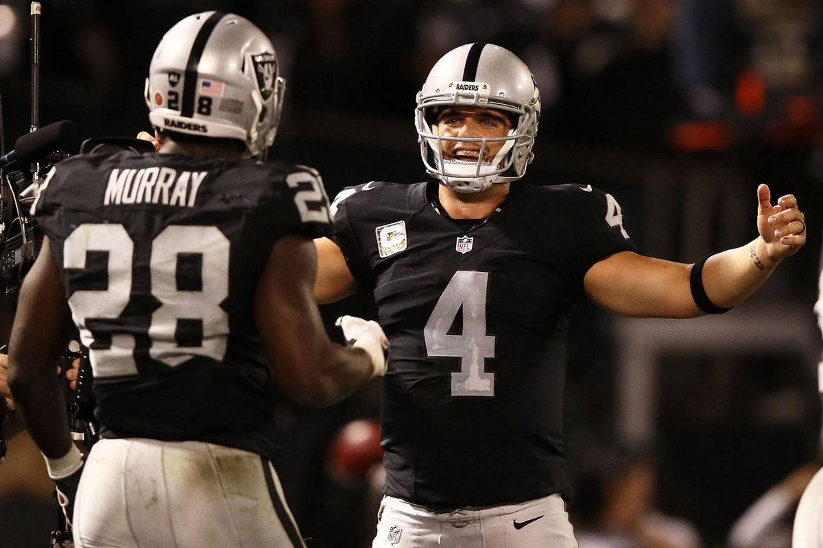 Derek Carr and Latavius Murray (GettyImages)