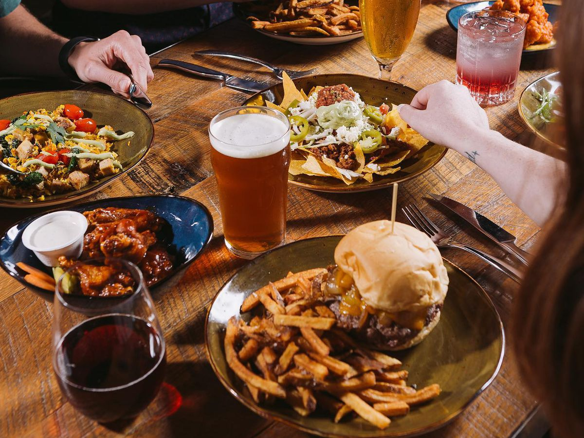 Burgers, nachos, and beer at the Suffolk Punch