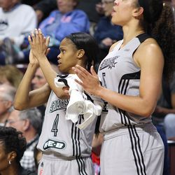 San Antonio Stars' Moriah Jefferson (4) cheers on her team from the bench.