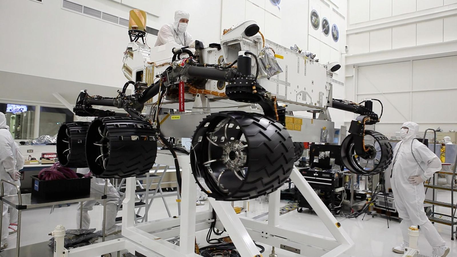 Curiosity: the latest on NASA's newest Mars rover - The Verge