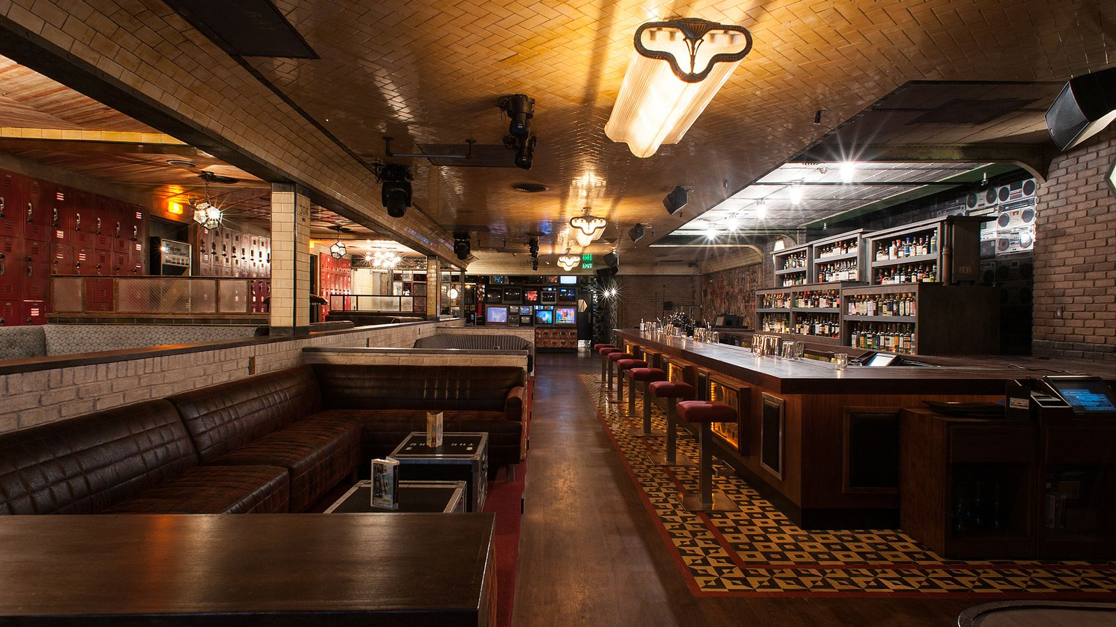It Room: Check Out The Full Interior At The Houston Bros' Break