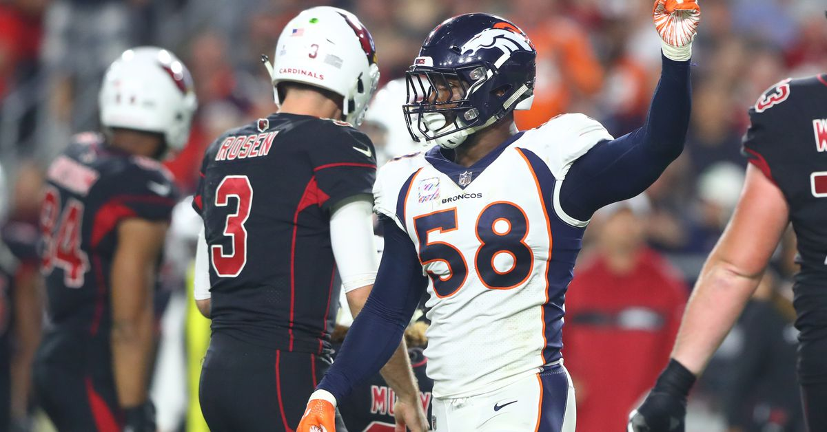 Broncos clobber the Arizona Cardinals as they trot to a 45-10 victory.