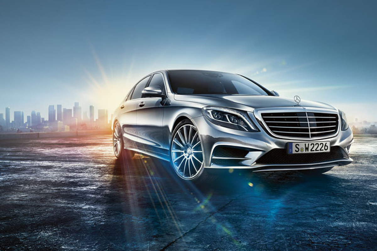 Mercedes benz shows off self driving car technology in its for Mercedes benz latest technology