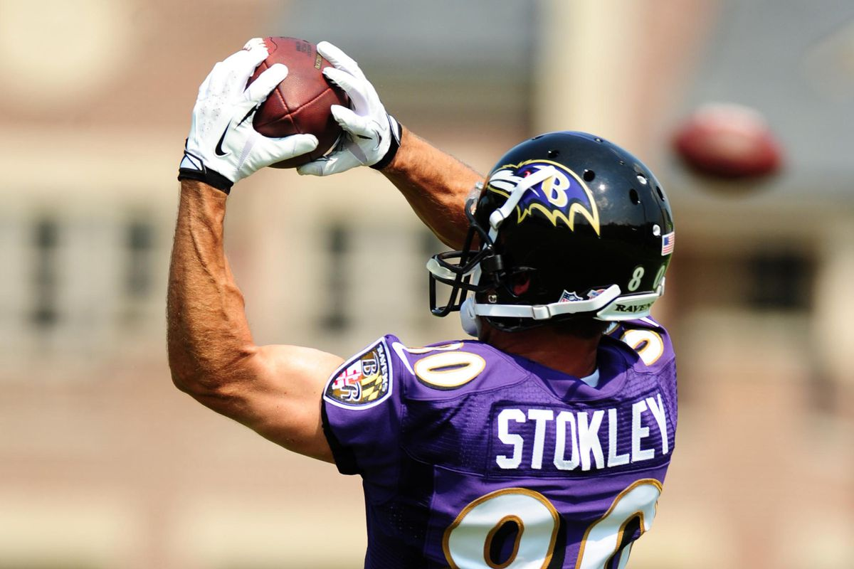 New Ravens' WR Brandon Stokley catches pass at Monday's practice.