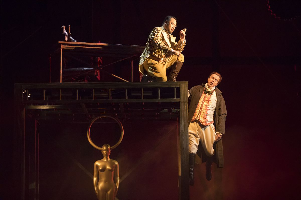 """Samuel Youn as Alberich and Stefan Margita as Loge in Lyric Opera of Chicago's new production of """"Das Rheingold."""" (Todd Rosenberg Photography)"""