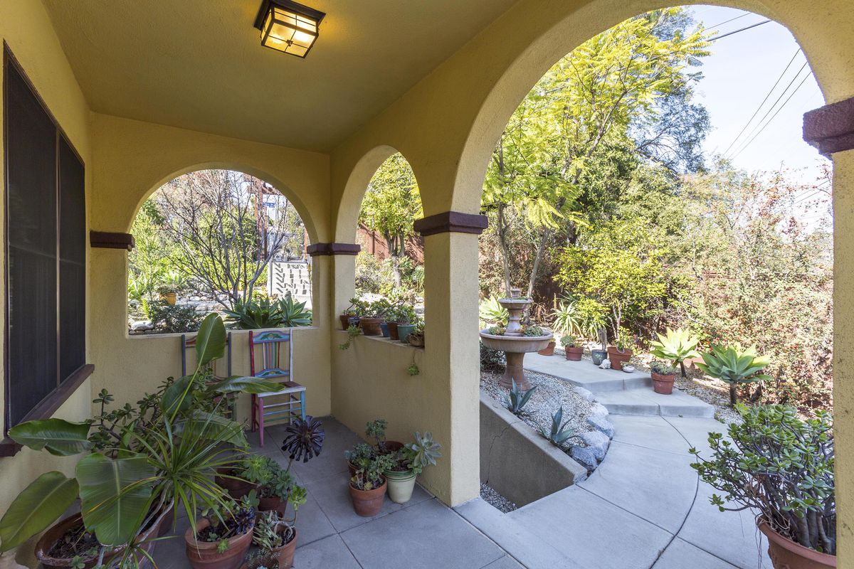 Silver Lake Spanish Style House Is A Hideaway Near The