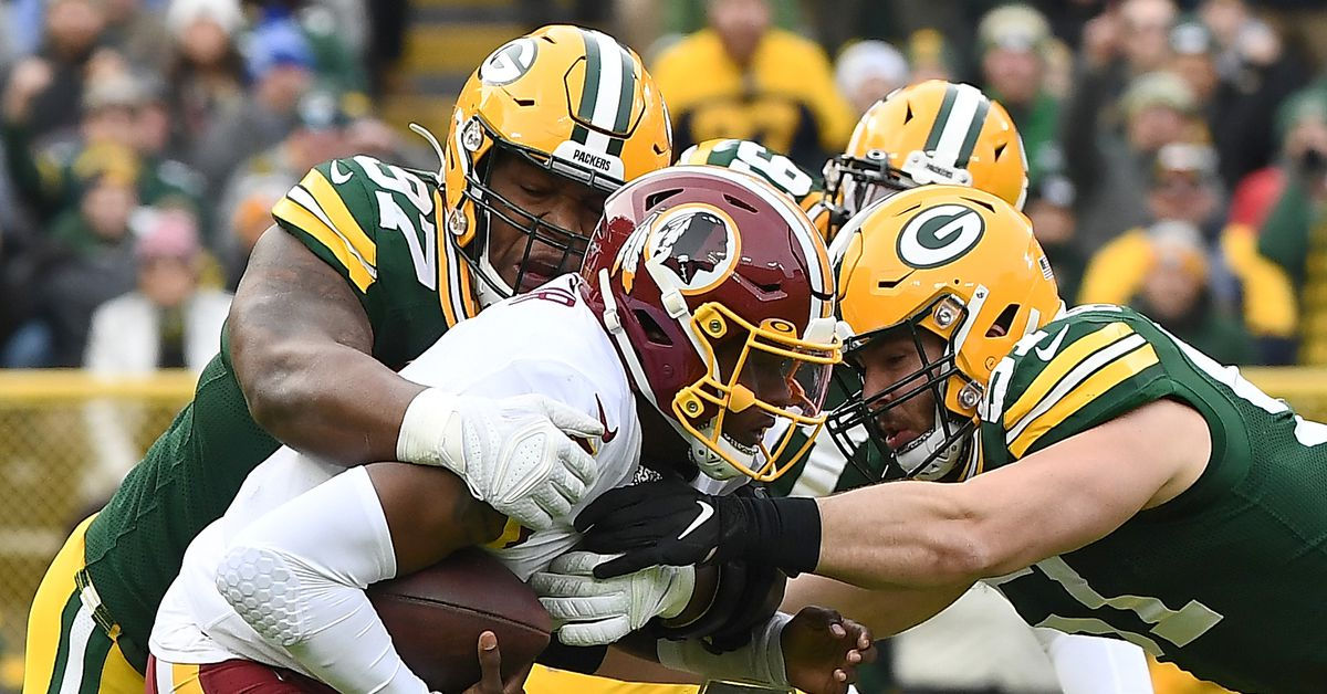 Packers Dash Redskins' Playoff Hopes in 20-15 Battle