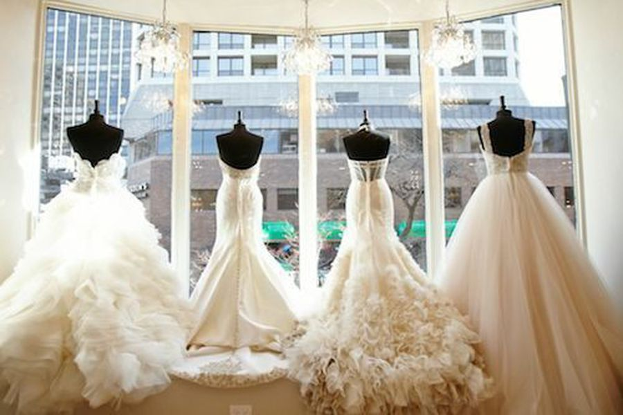 Where to buy wedding gowns in chicago racked chicago for Wedding dress boutiques chicago