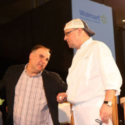 José Andrés talking with Jeff Black, competitor in the first battle of the night.