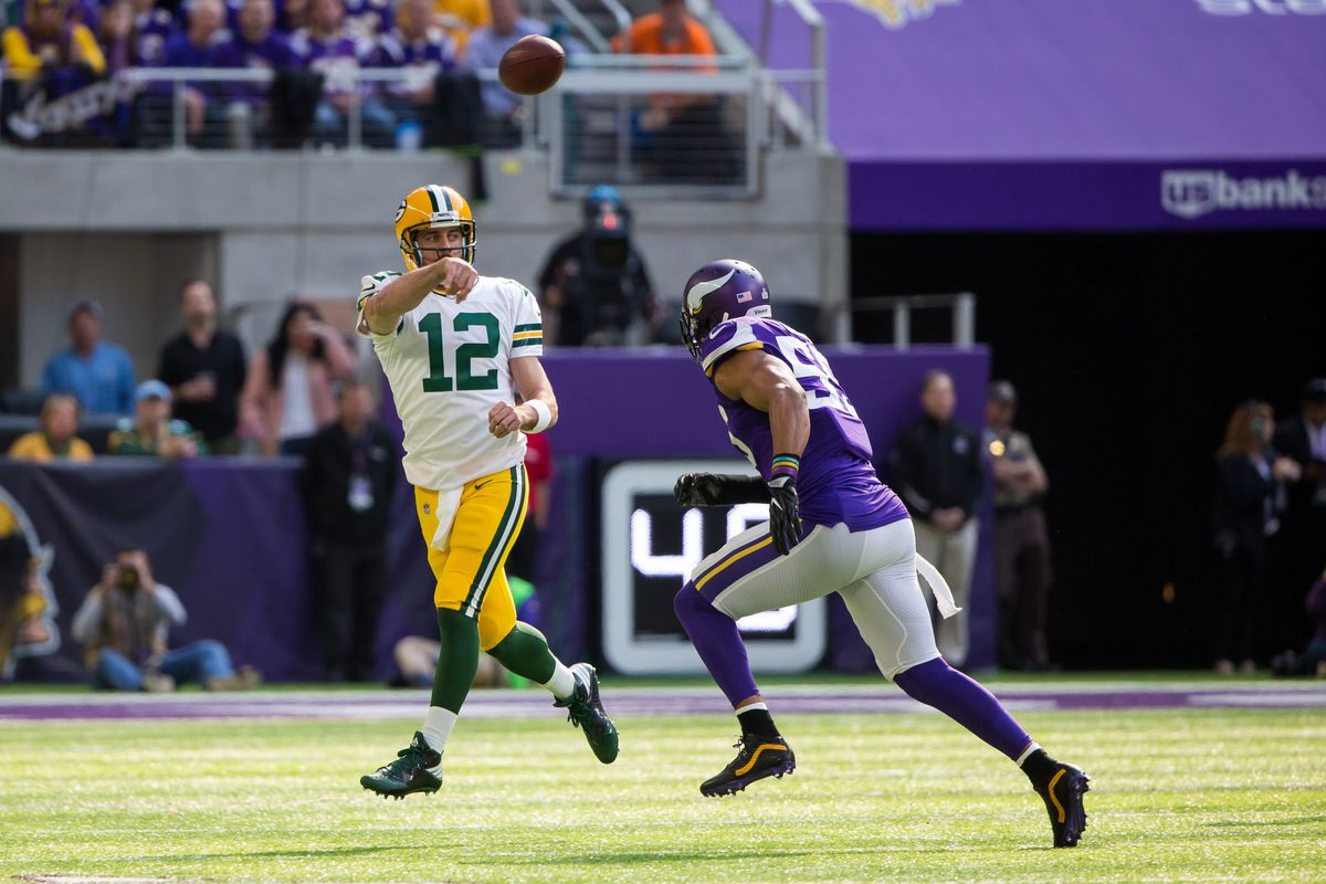 Video evidence backs up Aaron Rodgers claims that Anthony Barr