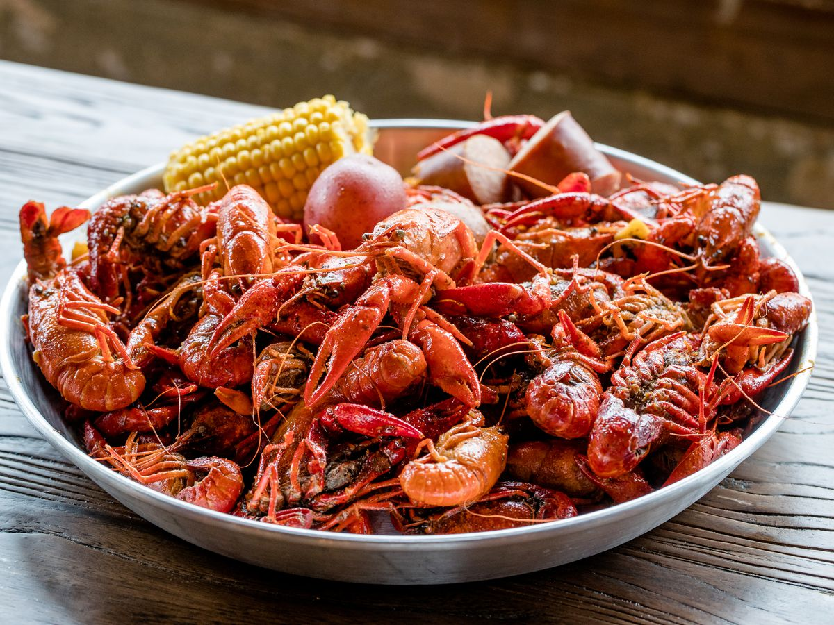 17 Essential Spots For Boiled Crawfish Eater New Orleans