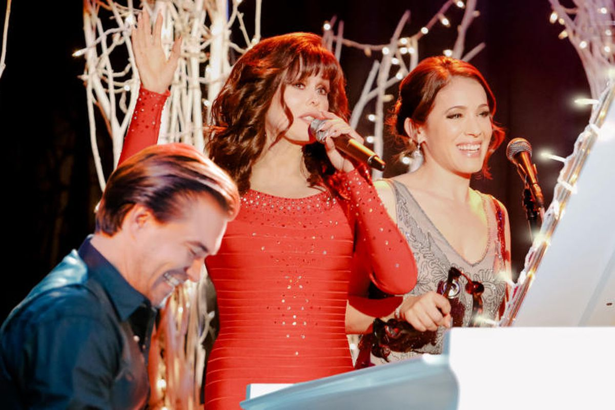 A Town Without Christmas.Lifetime S Christmas Movie Lineup Features Marie Osmond