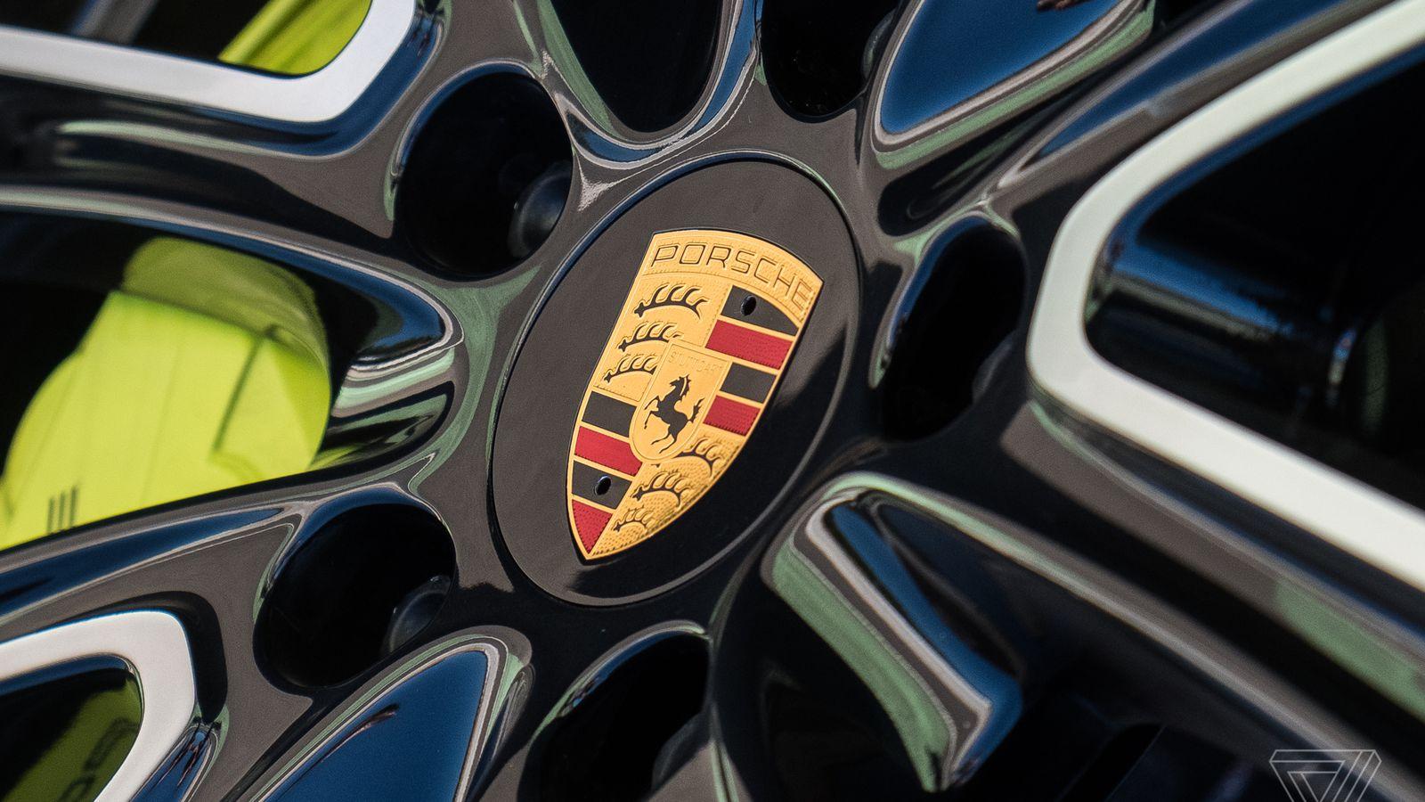 Porsche quits Le Mans to join electric racing series Formula E