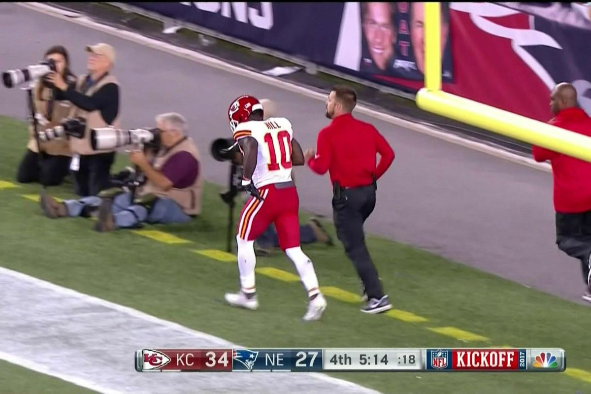 Tyreek Hill leaves Chiefs vs Patriots game with cramps SBNation