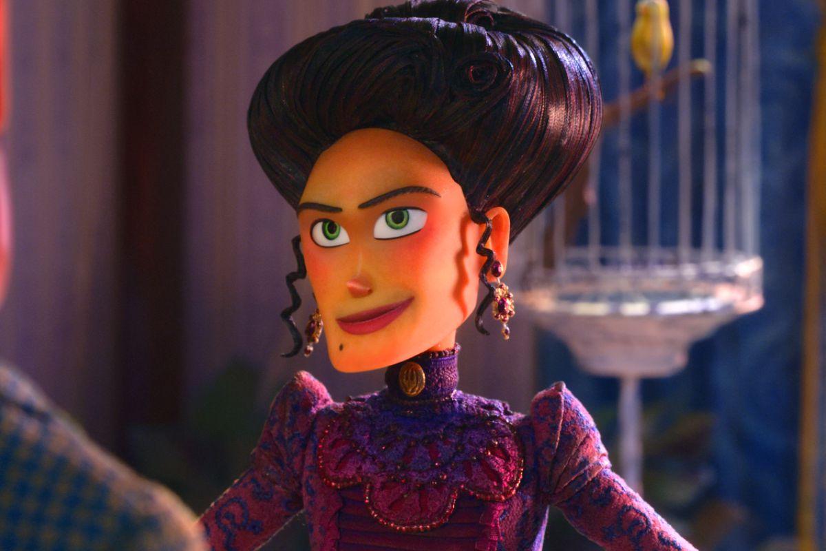 Adelina Fortnight, voiced by Zoe Saldana.