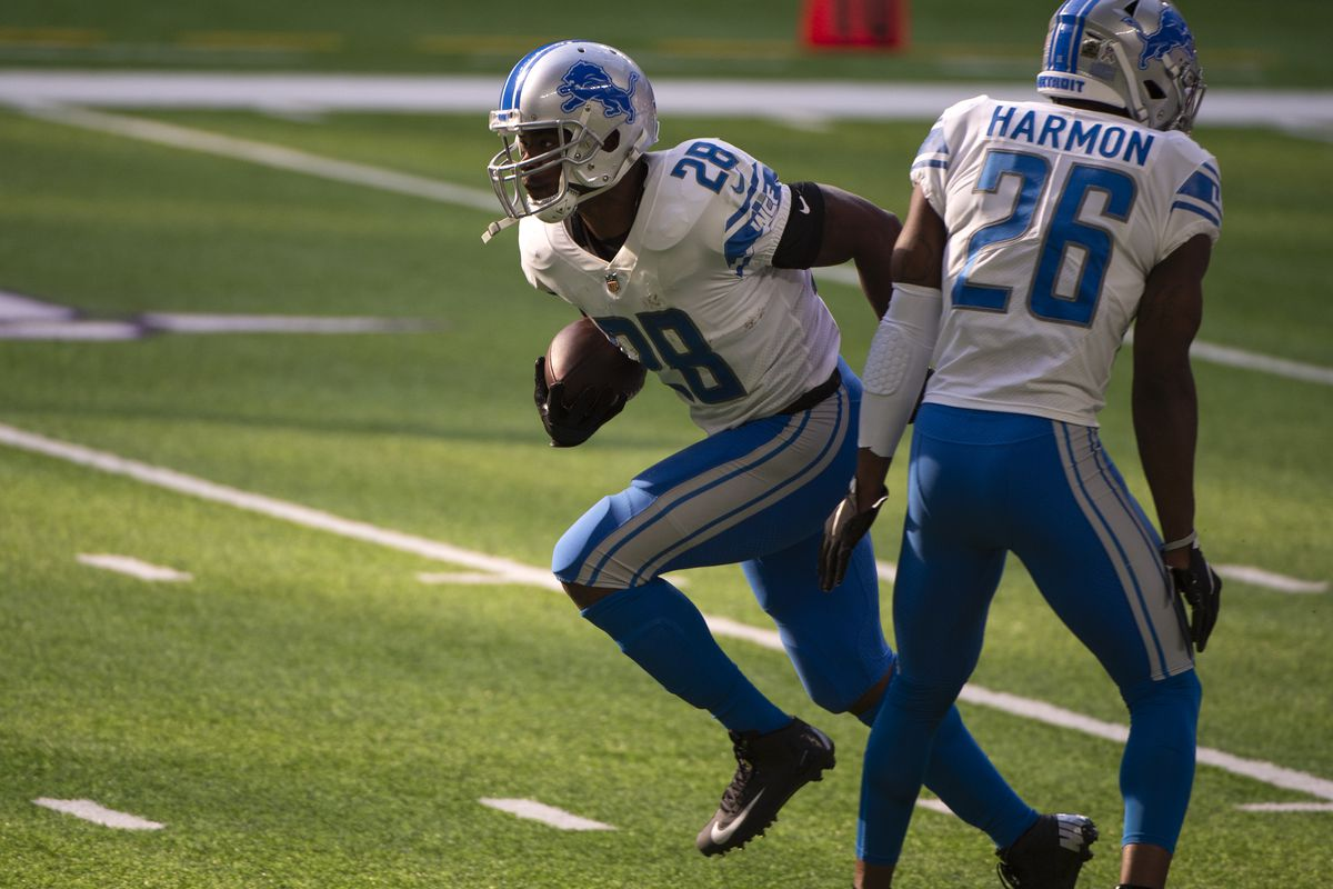 Adrian Peterson #28 of the Detroit Lions warms up before the game against the Minnesota Vikings at U.S. Bank Stadium on November 8, 2020 in Minneapolis, Minnesota.