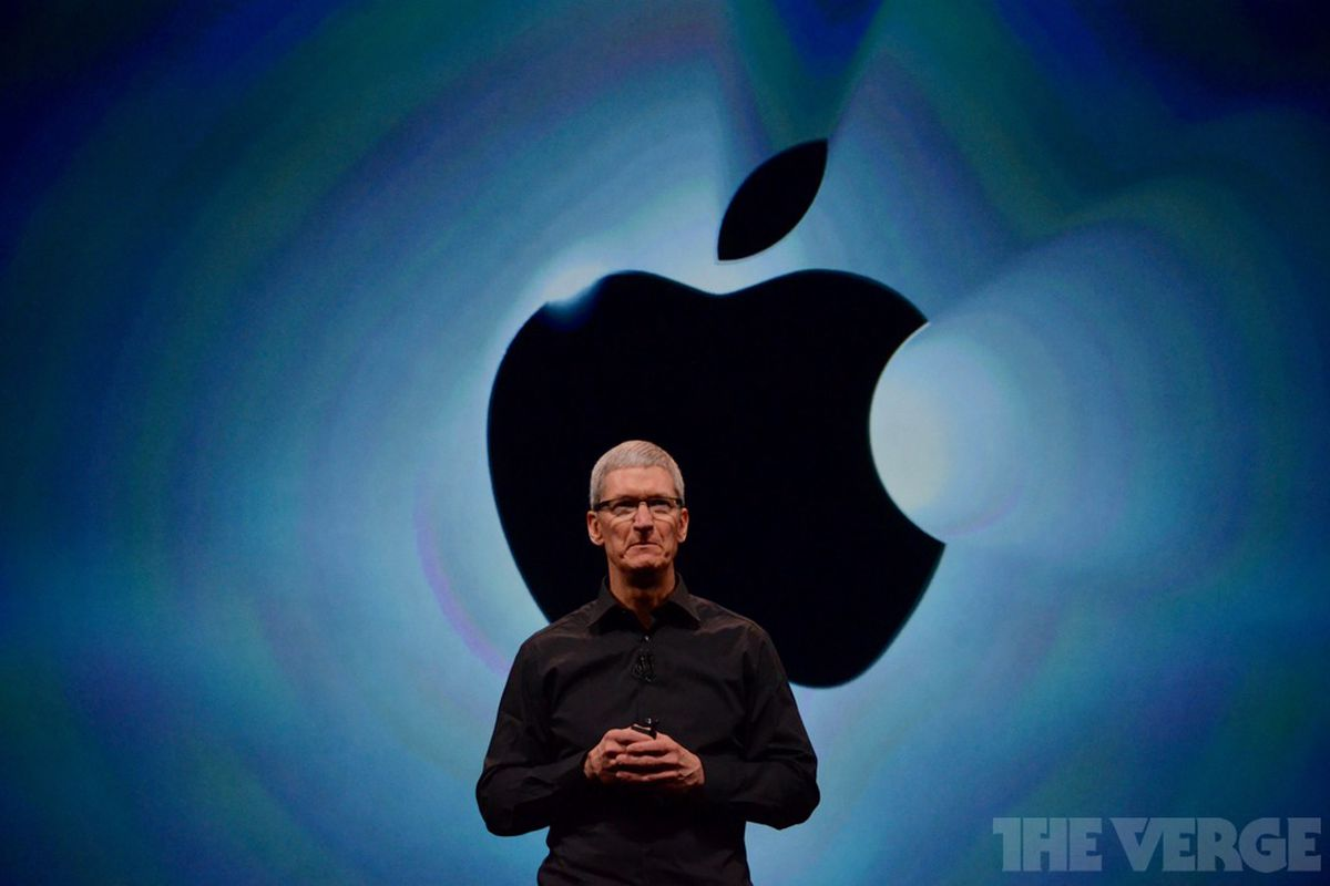 Apple CEO Tim Cook calls for Bloomberg to retract Chinese spy chip