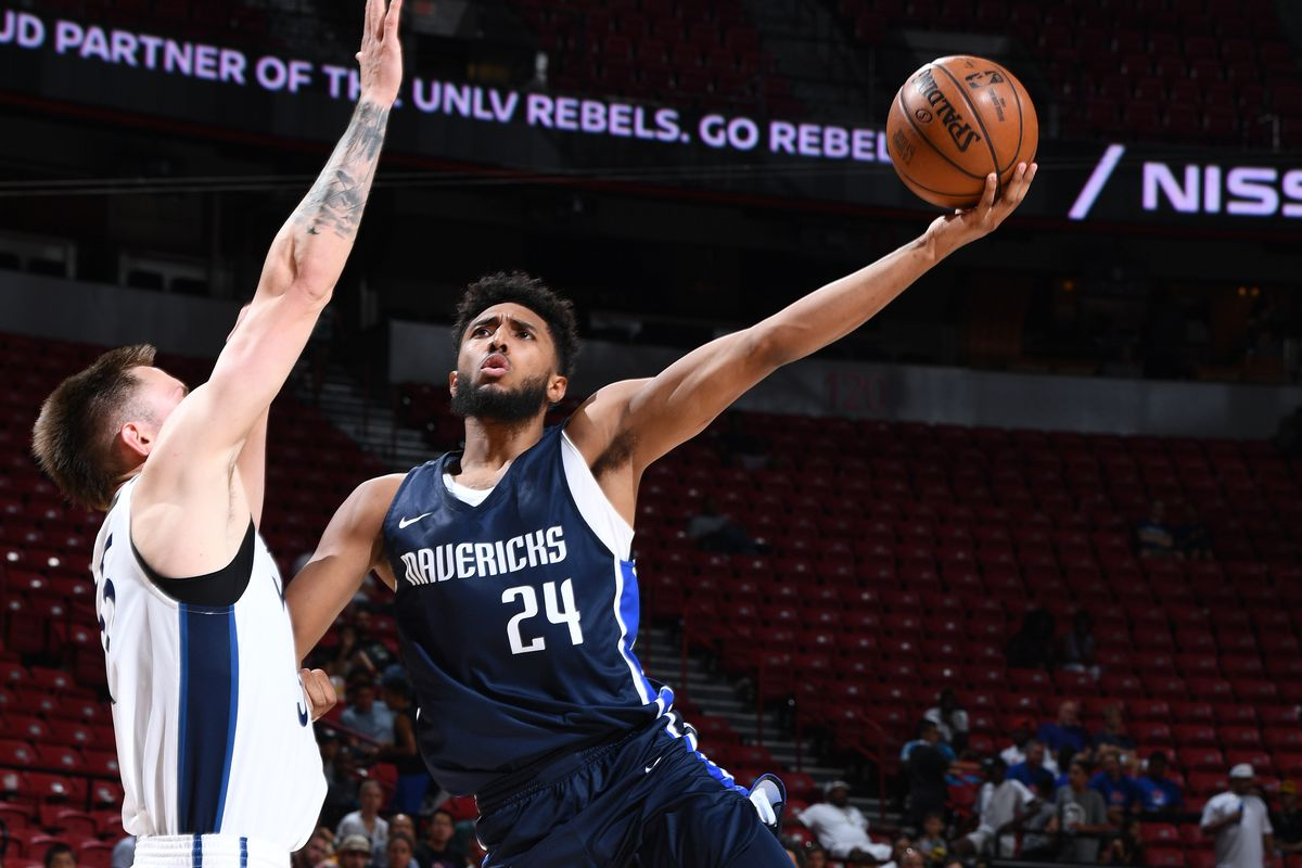 Mavericks sign Josh Reaves to a two-way contract
