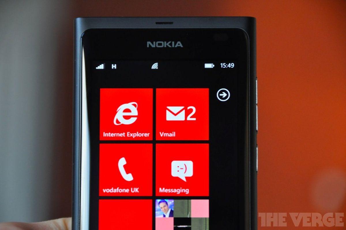 Nokia Lumia 800 stock