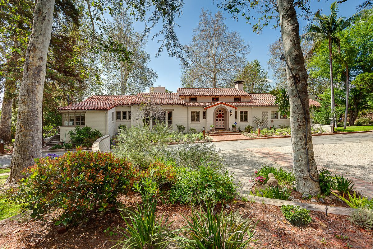 Sierra madre spanish style estate listed for sits for Spanish style homes for sale near me